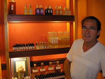 PONENTE DE LAS SEGUNDAS JORNADAS D. MIGUEL CRESPO REYES     PERFUMISTA ARTESANO